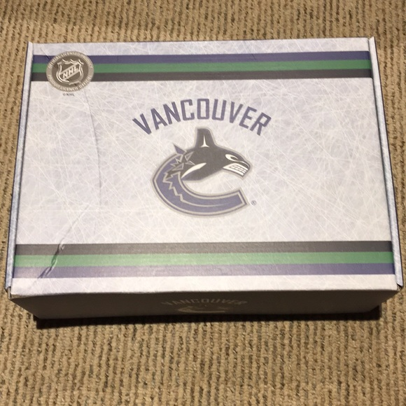 NHL Other - Vancouver Canucks fan box!